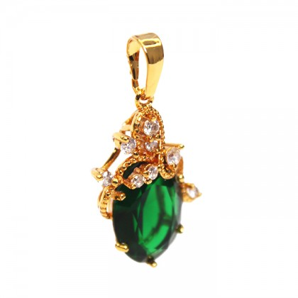 24K Gold Granet Green Stone Queen Necklace Pendant
